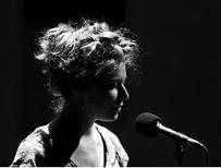Souvenir du cinquième apéro concert avec Emilie lesbros à la boutique des allumés du jazz le samedi 28 janvier à 19h dans le cadre de Femmes d'histoire